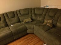 Recliner set and shams in excellent condition