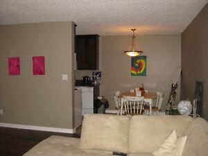 2 Bedroom Apple Green Condo for Rent Nov 1