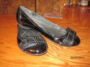 Ladies Patent Leather Shoes For Sale.