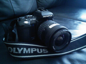 Olympus E500 Digital SLR Kit with 14-45mm and 40-150mm Lens