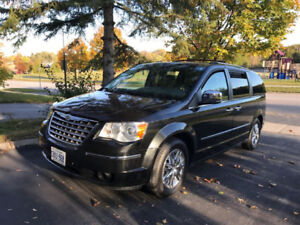 Fully Loaded 2010 Chrysler Town & Country Limited edition