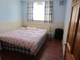 GREAT SPACIOUS DOUBLE ROOM IN East London, Plaistow. Move in within days!