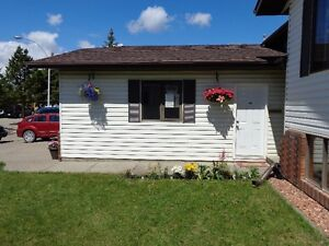 Beautiful fully furnished suite with garage - utilities included Edmonton Edmonton Area image 2
