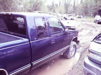Cab @ S.B Box 1998 blue very Good Condition Edson Alberta