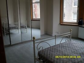 2nd floor flat with view of the Clyde