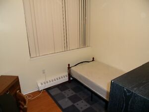 Room for 1 month only male no park mavis/dundas Oct 1 $450.00