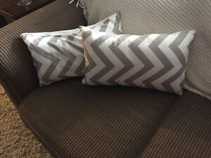 2 chevron pillows. White and beige Windsor Region Ontario image 1