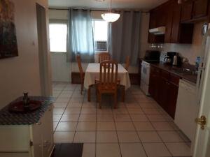 Longueuil - Grand Appartement 5 ½  à louer, entièrement meublé
