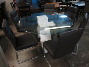 7 piece dining set - Delivery Available
