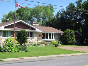 LARGE BUNGALOW FOR SALE on a Beautiful 2.8 ac. DOMAIN