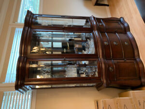 Used China Cabinet. 400$ obo. Pick up in Surrey.