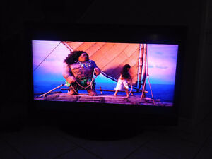 55 Inch Toshiba LCD TV With 120Hz Refresh Rate