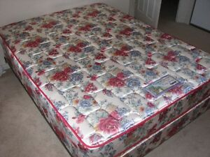 Lots of furniture in excellent condition at excellent prices Kitchener / Waterloo Kitchener Area image 4
