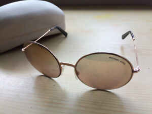 Ladies special edition Michael kors rose gold sunglasses