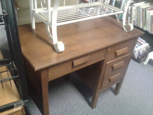 Desks at The Meetinghouse! Windsor Region Ontario image 4