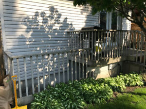 FREE COMPOSITE RAILINGS AND STAIR BOARDS.