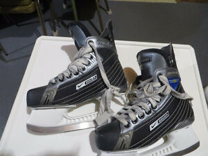 Hockey skates youth  several pair most $10/pr see list and picts