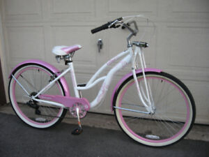 Ladies Schwinn 7 Speed Step Thru Beach Cruiser Mint!