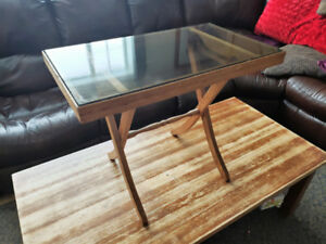 WOODEN SIDE TABLE w/ GLASS TOP
