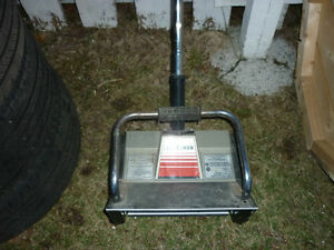 1 - 14IN SEARS CRAFTSMAN ELECTRIC SNOW SHOVEL