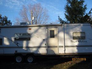 33 ft trailvision trailer sleeps 6-8