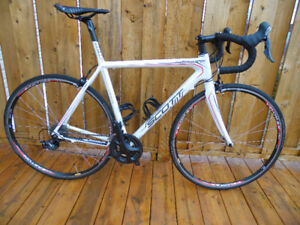 56cm Scott Addict Carbon road bike