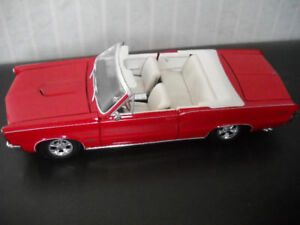 1965 PONTIAC  GTO  CONVERTIBLE  1/18 SCALE DIE CAST MODEL.