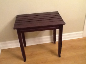 Accent table dark brown