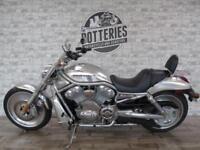Harley Davidson V-Rod 2006 *2000 Miles and 1200 worth of Luggage!*
