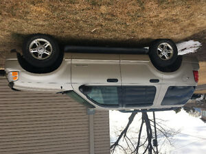 2005 Ford Explorer SUV, Crossover