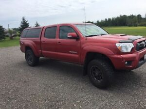 Low KM 2012 Tacoma 4x4