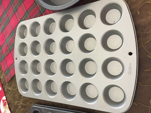 Bakeware , 3 styles, all new