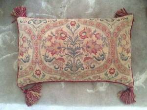 4x Quality LAURA ASHLEY Jaquard Cushions R$159.95ea. Dalkeith Nedlands Area Preview