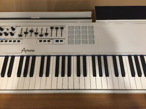 Arturia Keylab 88, MIDI keyboard controller. Analog Lab included