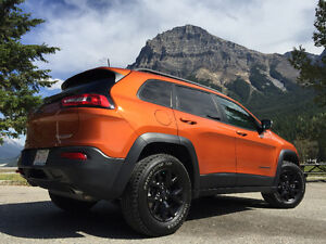 2016 Jeep Cherokee Trailhawk LOADED ALL 7 AVAILABLE GROUPS