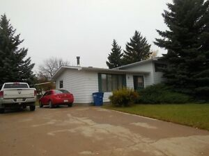 301 7th Ave. W., Assiniboia