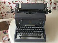 VINTAGE IMPERIAL TYPEWRITER TYPE 65 WORKING ORDER