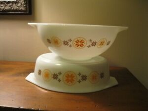 "Pyrex ""Town and Country"" Bowl and Casserole"