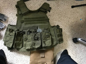 For Sale - Condor Vest, red/green dot sight and other stuff