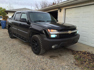 2004 Chevrolet Avalanche Z71,Well maintained, perfect for winter