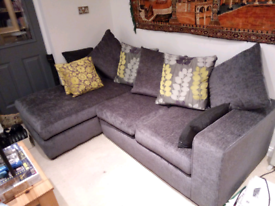 Large 3 seater corner sofa, with Chaise end