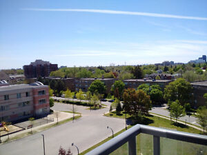 Unobstructed view in high desirable area 2 BEDRROM + DEN