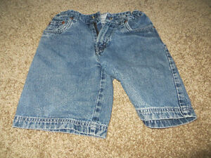 4 pairs boys size 6 denim shorts EUC Kitchener / Waterloo Kitchener Area image 4