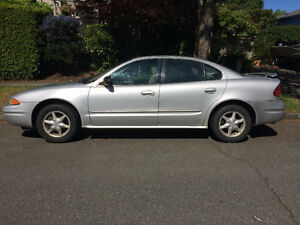 2001 Oldsmobile Alero Sedan with summer and winter tires