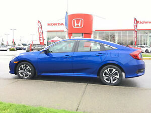 2017 Honda Civic. Just 500km ! Almost new