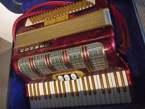 HOHNER 23 G Show/Stage Accordion