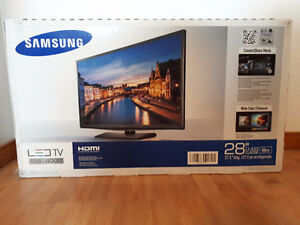 "BRAND NEW Samsung LED TV Series 4 4000 28"" 69cm"