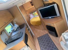 Baileysenator twinaxle touring caravan £10,000 with site fees paid