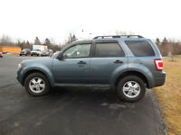 2010 Ford Escape XLT SUV, Crossover AWD