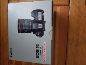Canon EOS 5D Mark IV avec objectif EF 24-70mm F4L IS USM NEUF!!!